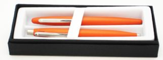 Sheaffer VFM Fountain Pen & Ballpen gift set in Maximum Orange